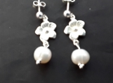 Sterling silver with freshwater pearl flower post earings