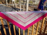 Knit shawl in two-tone gray and dark pink,