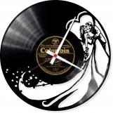 Wedding kiss Loop-store handmade vintage vinyl clock